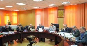 محافظ الشرقية يختبر المتقدمين لوظيفة مدير الشئون المالية بالزراعة