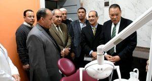 زيارة مفاجأة لمحافظ الشرقية لعيادة التأمين الصحي