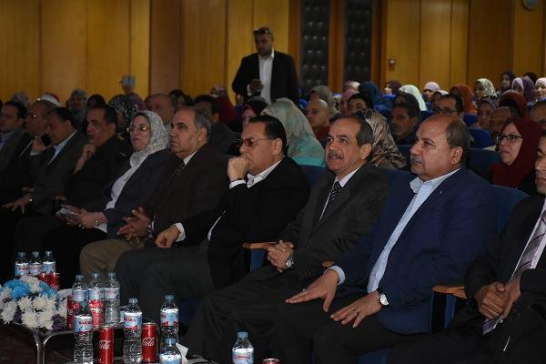 محافظ الشرقية يشارك بمؤتمر المجلس القومي للمرأة بالزقازيق