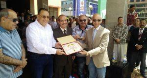 محافظ الشرقية يكرم وكيل وزارة الصحة في احتفالات شم النسيم
