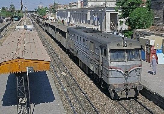 صورة النيابة تقرر حجز كمسري القطار المتسبب في وفاة شاب وإصابة آخر