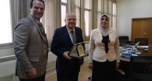 تكريم رئيس جامعة الزقازيق في الأردن