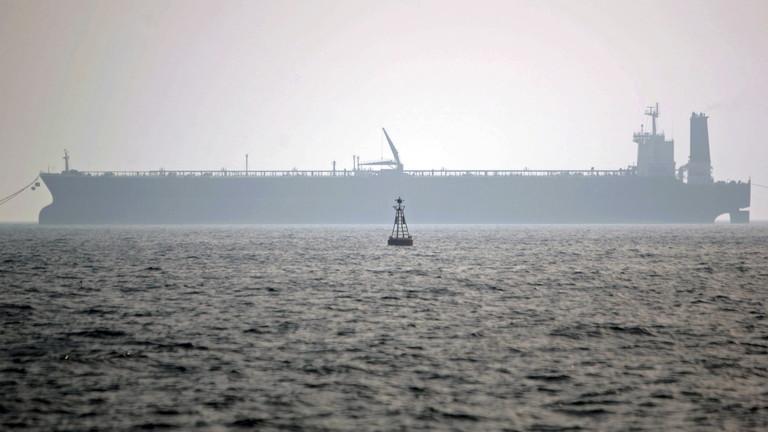 صورة الحوثيون تهدد مصر والسودان وتتبنى مهاجمة ناقلات النفط