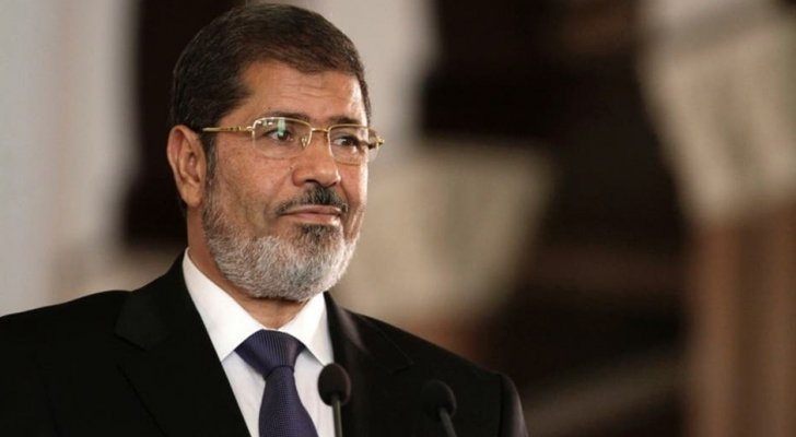 صورة دفن جثمان محمد مرسي بمدينة نصر بالقاهرة