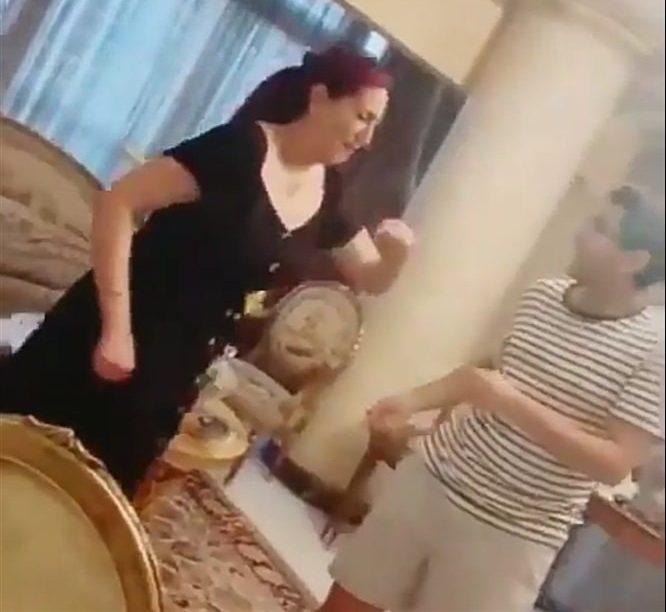 صورة وفاء عامر ضحية لمقلب مفاجئ