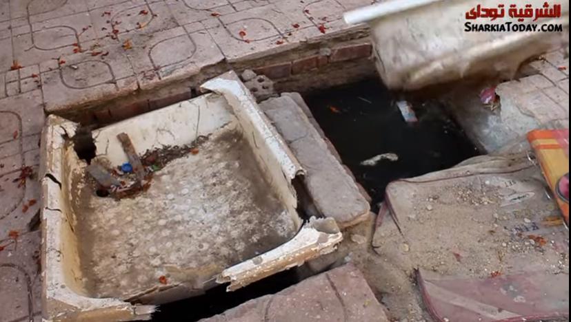 صورة سقوط الأطفال في خزانات الصرف بمساكن هرية