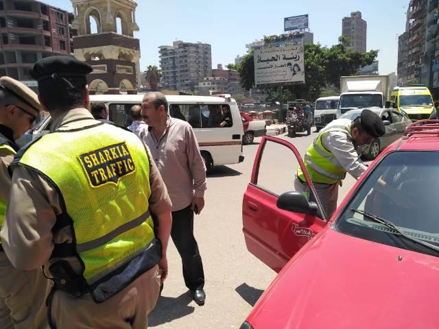 صورة حملة على سائقي التاكسي بالزقازيق للتأكد من تطبيق التعريفة
