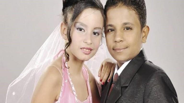 صورة أول صور لزفاف أصغر عروسين في مصر بعد 6 سنوات خطوبة