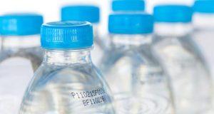 زجاجات البلاستيك