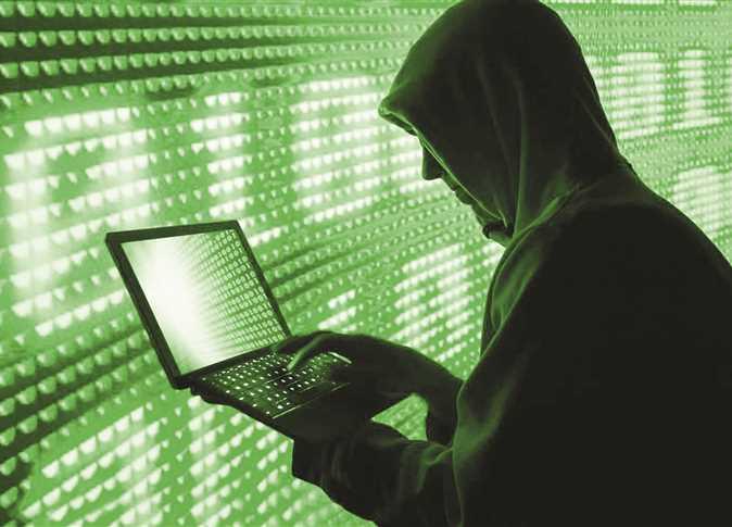عقوبة إنشاء حساب إلكتروني وهمي