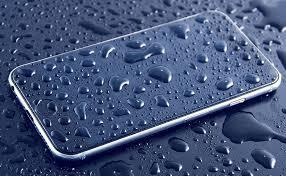 صورة 8 حيل لأنقاذ هاتفك المحمول من التلف إذا سقط في المطر
