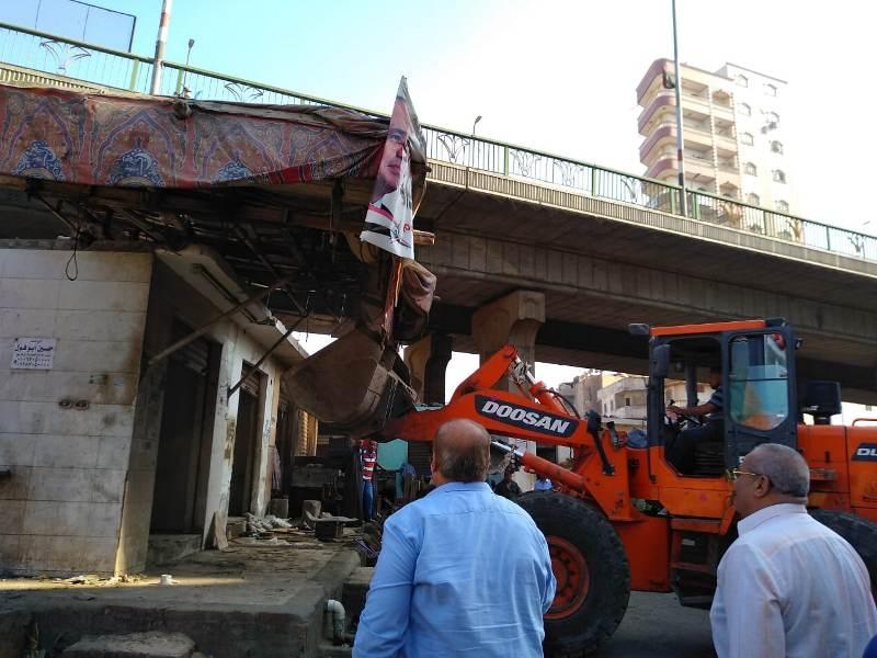 الشرقية يقود حملة مكبرة لإزالة المحلات أسفل الكوبري الجديد بالزقازيق2