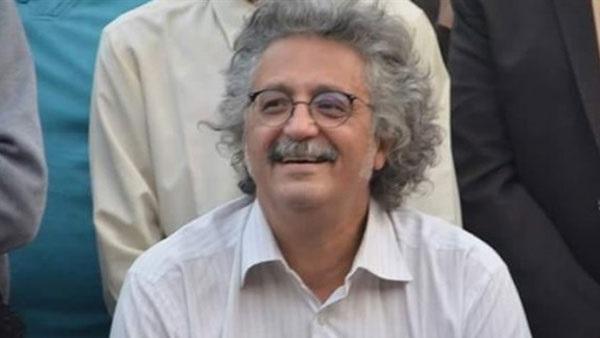 صورة حسين خيري نقيبًا للأطباء