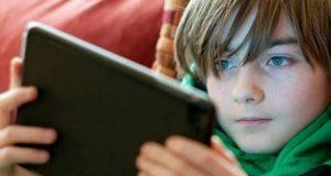 أضرار إستخدام الهواتف المحمولة للأطفال