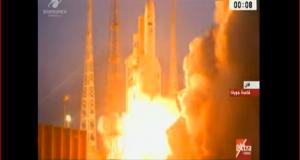 لحظة إطلاق القمر الصناعي المصري