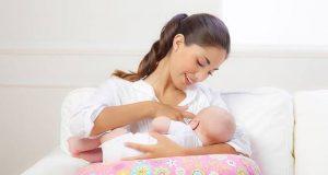 طريقة صحيحة لرضاعة الأطفال