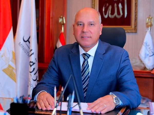 صورة كامل الوزير يمازح عمرو أديب ويرد على تدريب منتخب مصر