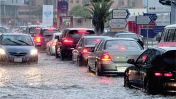 صورة نصائح المرور لقائدي السيارات لتجنب الحوادث في الطقس السيئ