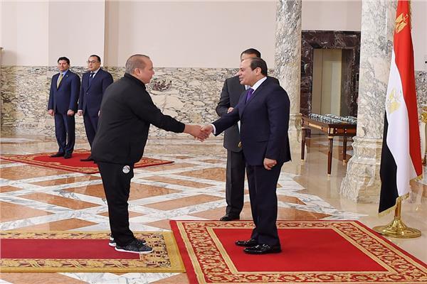 صورة هل الرئيس أهلاوي أم زملكاوي؟ تعرف على التفاصيل