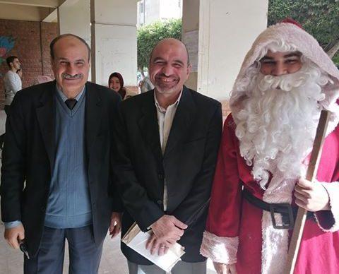 صورة بابا نويل يحتفل بقدوم العام الجديد لأول مرة بجامعة الزقازيق