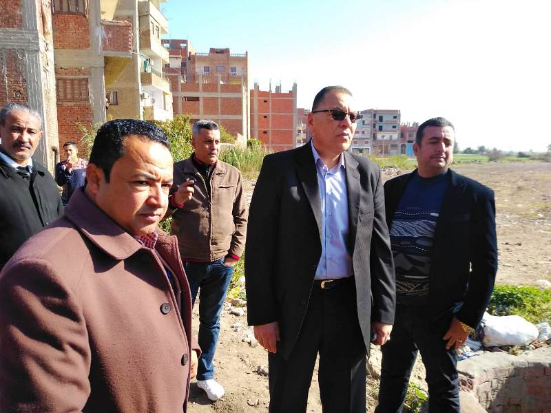 الشرقية يتفقد أرض إنشاء قصر ثقافة أبوحماد2