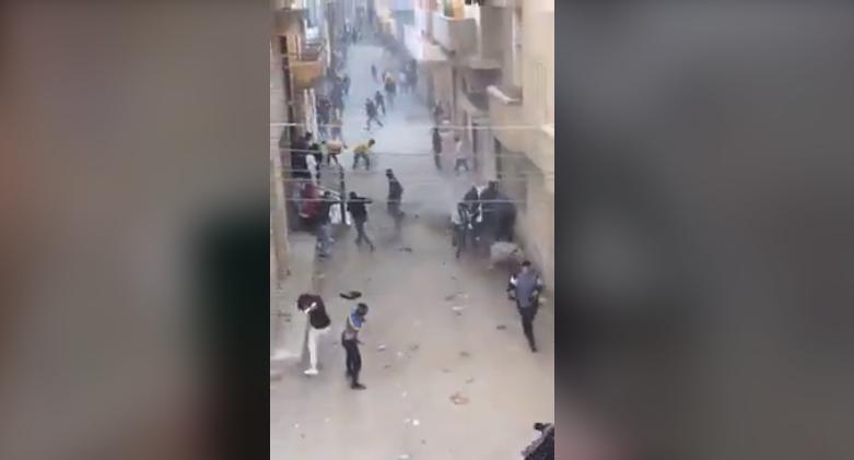 صورة إخلاء سبيل 6 طلاب تشاجروا أمام مدرسة بأبوكبير