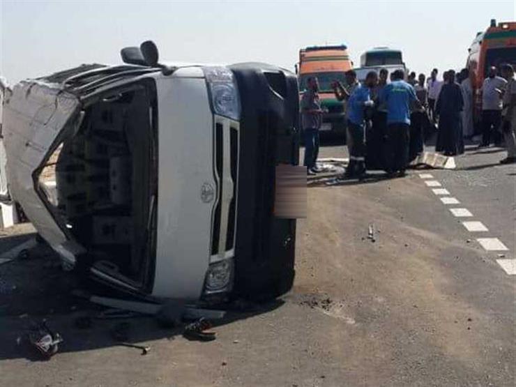 صورة إصابة 25 شخص في حادث تصادم سيارتين بالشرقية