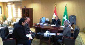 محافظ الشرقية مع لجنة المتابعة من مجلس الوزارء