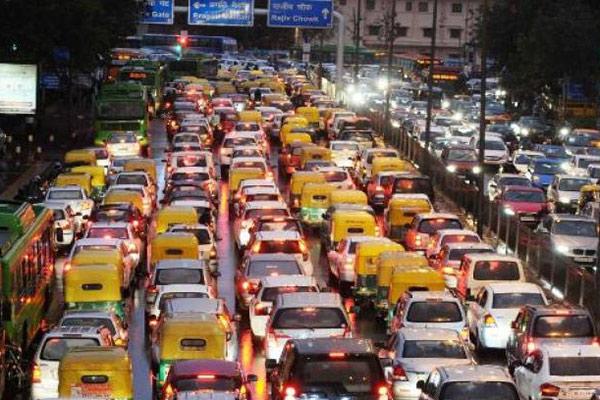 صورة حيلة عبقرية في الهند للتخلص من أصوات أبواق السيارات