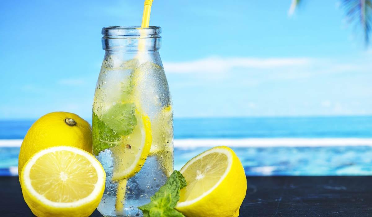 فوائد شرب الماء مع شرائح الليمون