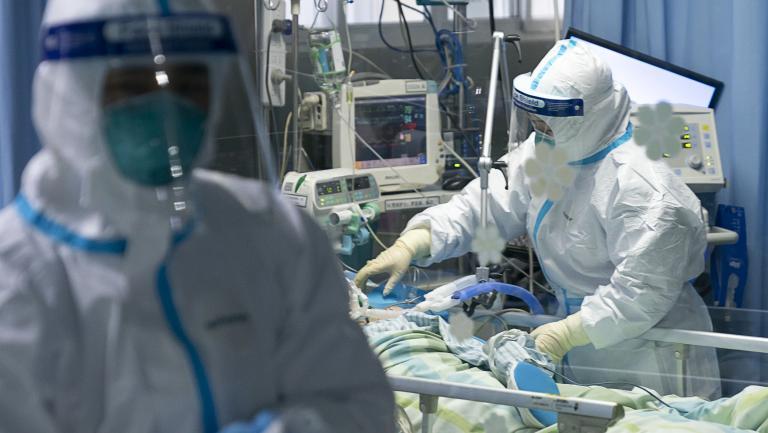 صورة ارتفاع عدد الإصابات بفيروس كورونا في فرنسا لـ1126 وإيطاليا تسجل 133 حالة وفاة في 24 ساعة