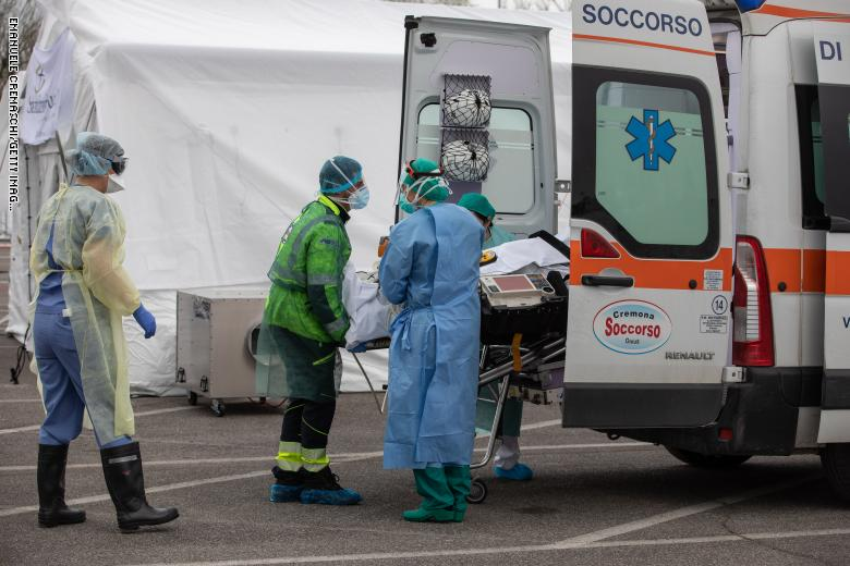 صورة إيطاليا تتخطى 20 ألف وفاة بكورونا