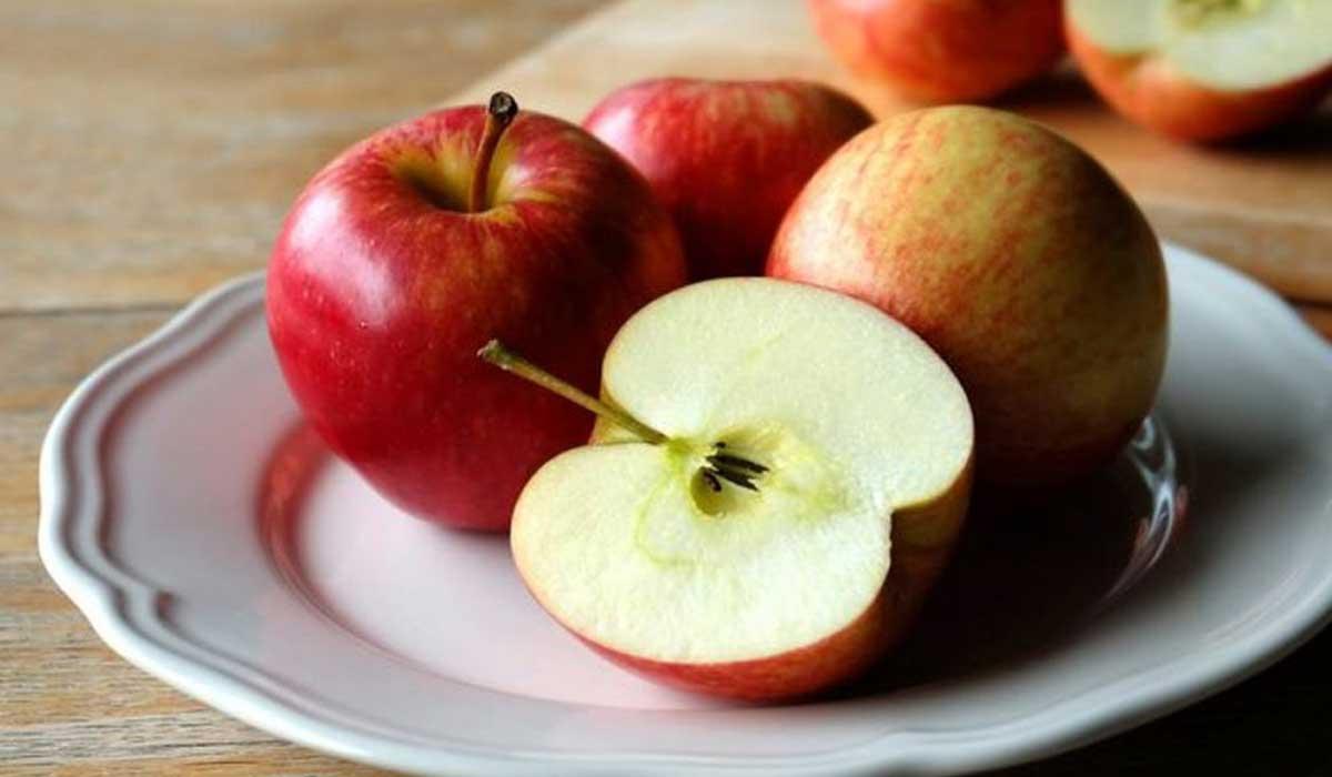 فوائد أكل التفاح قبل النوم