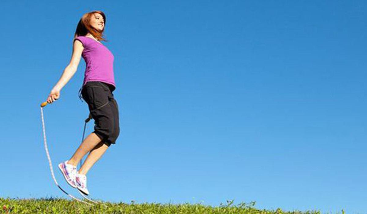 صورة فوائد رياضة نط الحبل للتخلص من الكرش
