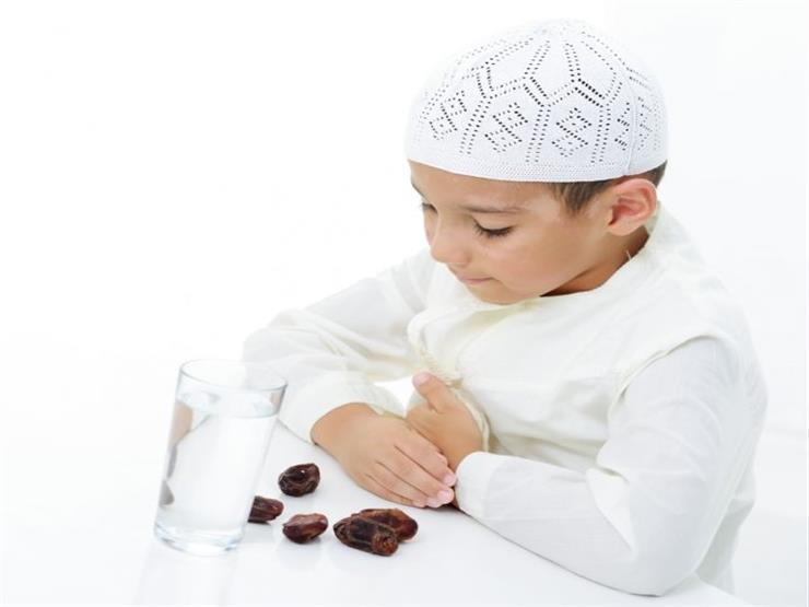 صورة الإفتاء توضح السن المناسبة لفرض صيام رمضان على الأطفال