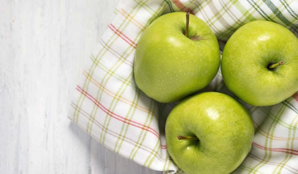 على ماذا يحتوي التفاح
