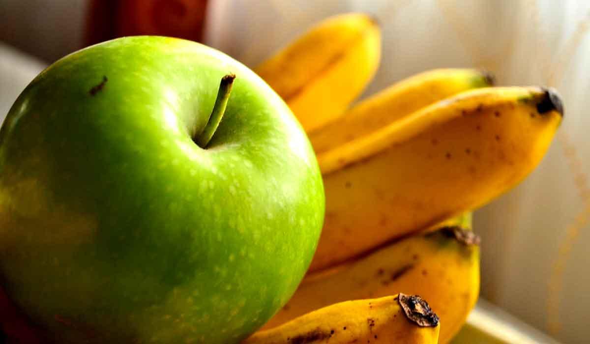 صورة فوائد التفاح والموز