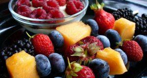 ما هي الفواكه التي تحتوي على الألياف