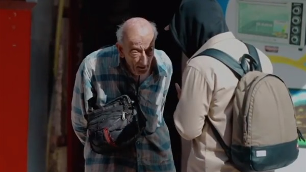 صورة «طبيب الغلابة» يبكي «غيث» الإماراتي ويرفض مساعداته