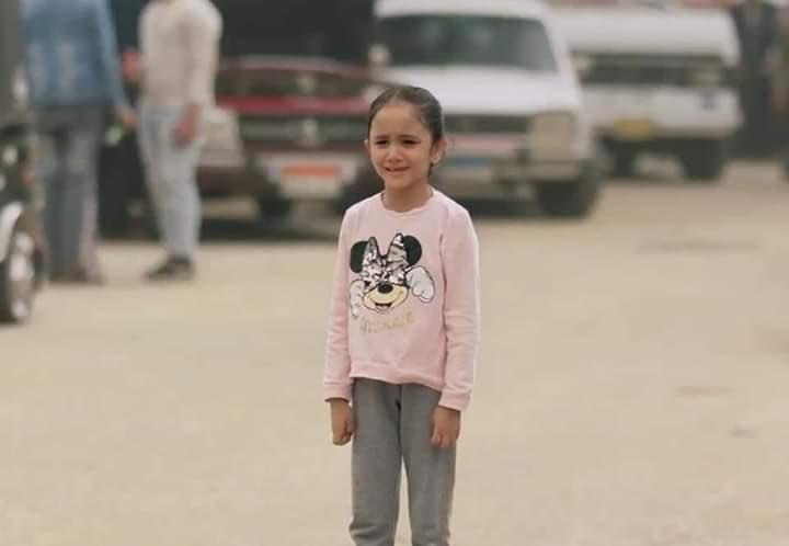 صورة طفلة مسلسل البرنس تكشف عن رد فعل أحمد زاهر بعد مشهد بكائها