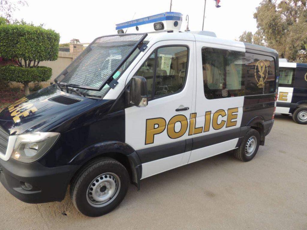 94581 سيارات الشرطة مدعمة بأجهزة حديثة