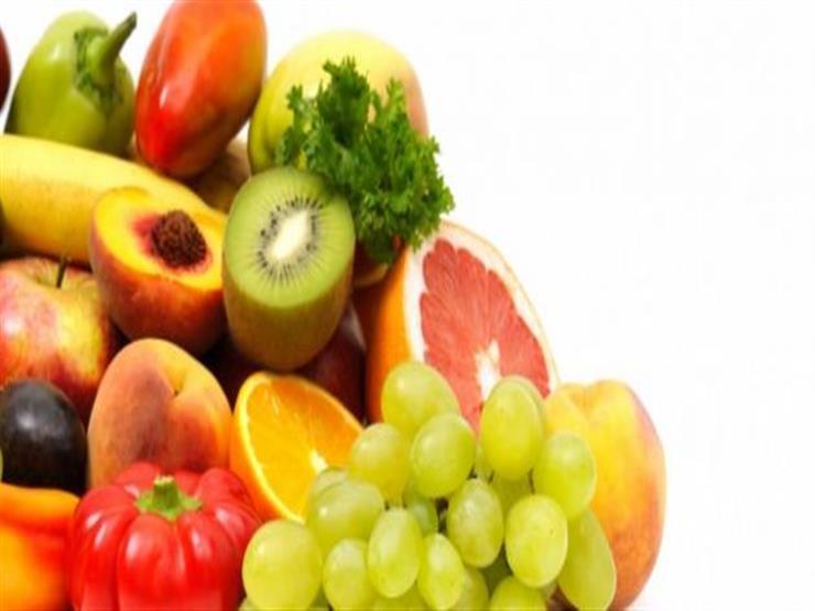 صورة الصحة تحدد 6 خضروات وفواكه لتقوية المناعة ضد كورونا: التزموا بتناولها يوميا