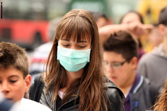 صورة ما هي العلامات الواضحة التي تؤكد إصابتك بفيروس كورونا ؟ ومتى يجب طلب المساعدة ؟
