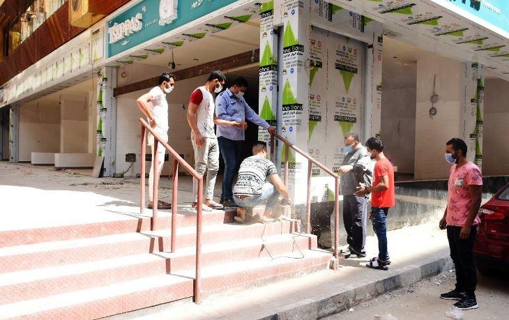 الشرقية يمنع فتح محلات أسفل العقارات بالزقازيق ويوجه باستخدامها جراجات 1
