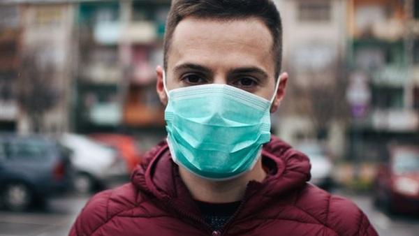 جديدة عن الفيروس.. كورونا ينتج 10 ملايين نسخة خلال 4 أيام في الأنف