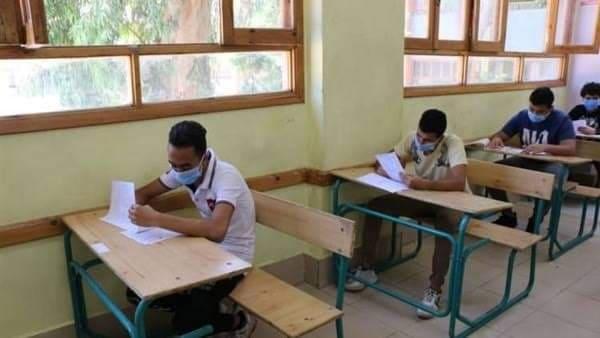 صورة 45 ألف طالب بالثانوية العامة يؤدون امتحان اللغة العربية بالشرقية