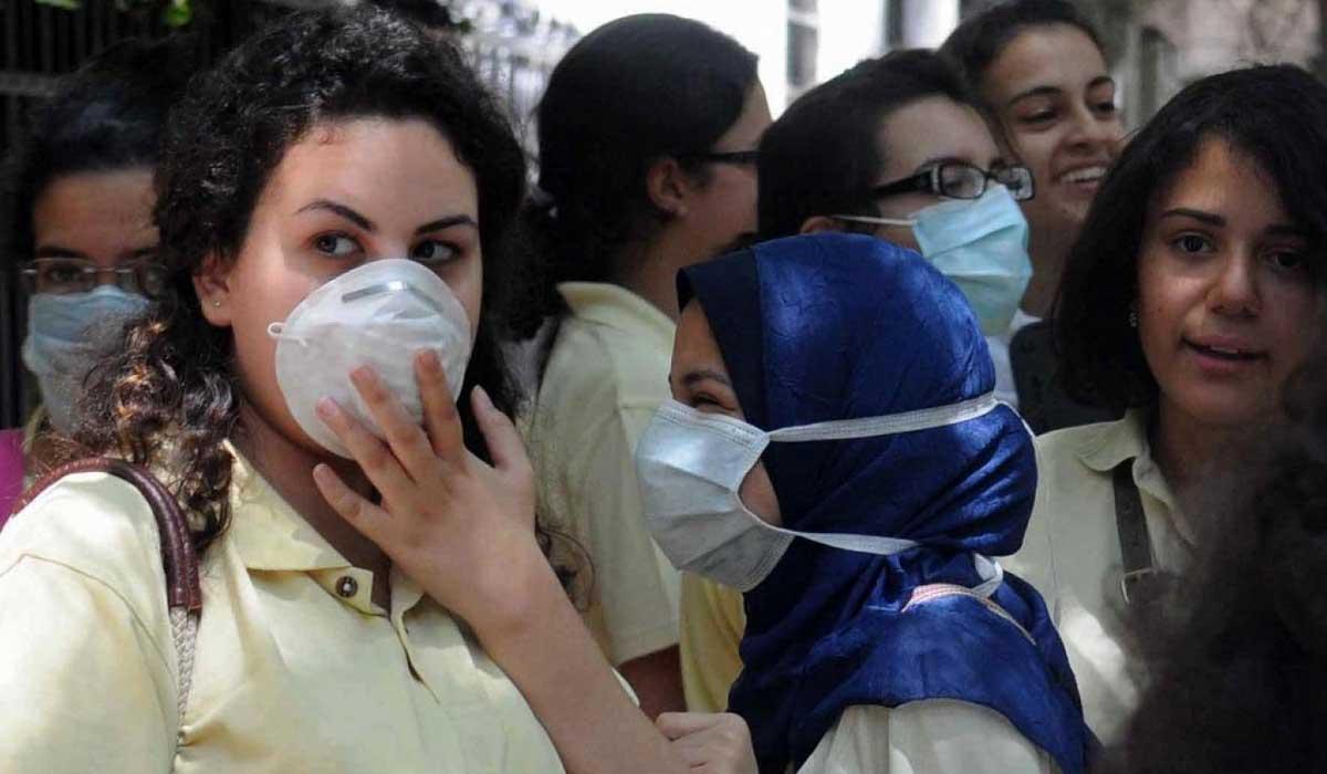 صورة طبيب يوجه نصائح لطلاب الثانوية العامة للوقاية من كورونا