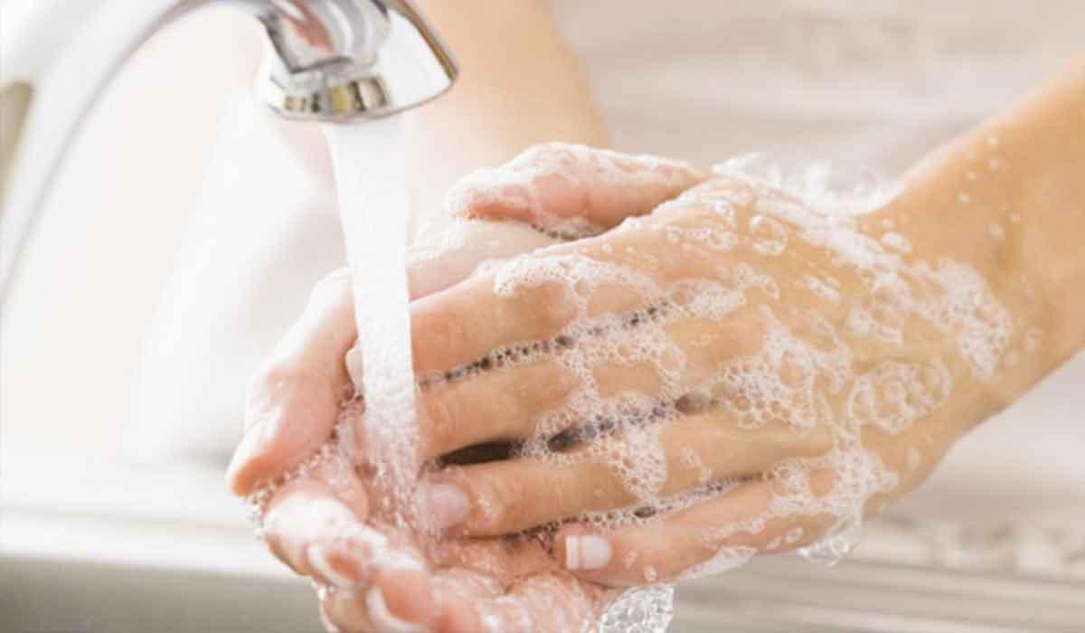 8 أشياء عليك غسل يديك فورا بعد استخدامها لحمايتك من كورونا