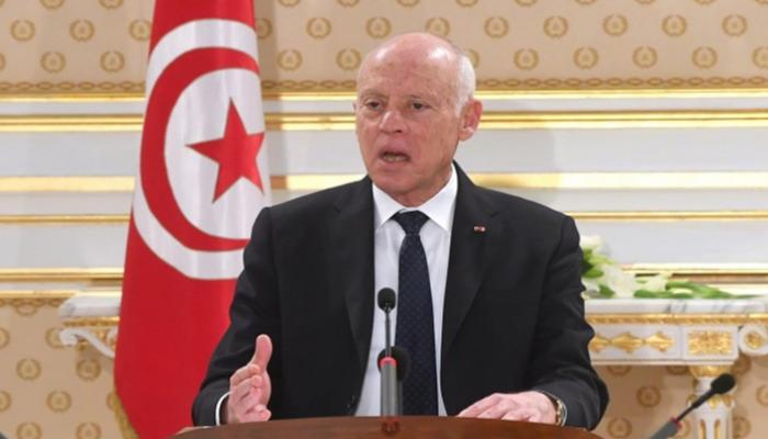 85 013021 tunisian president declares war on