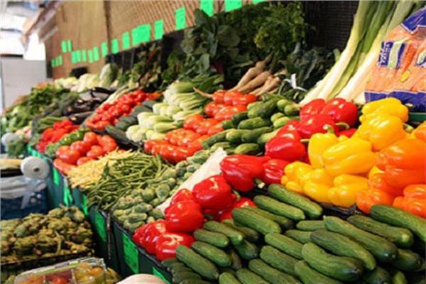 صورة أسعار الخضروات والفاكهة اليوم الثلاثاء.. ارتفاع الطماطم والليمون